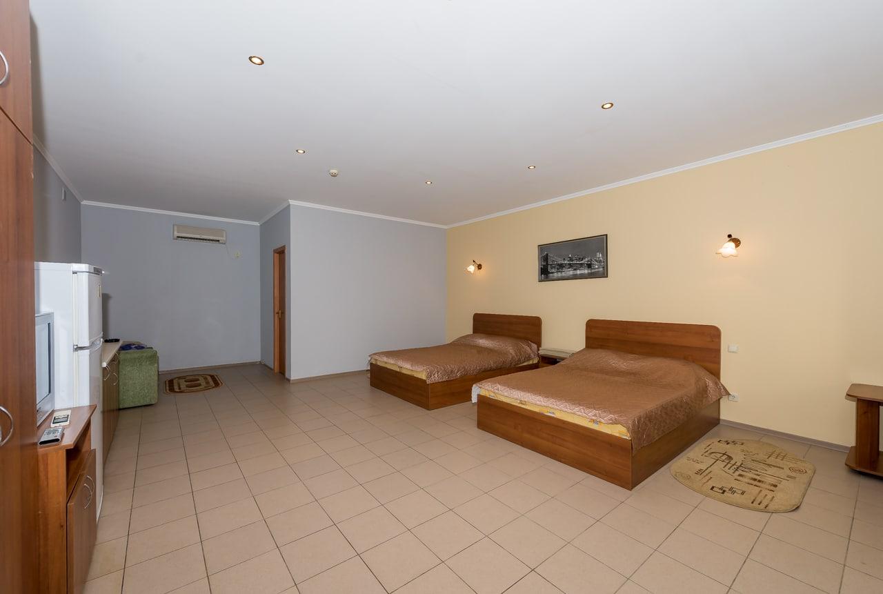 6-местный однокомнатный люкс. Спальня2