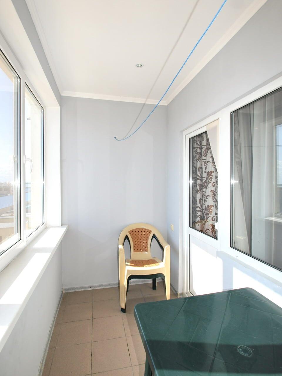 6-ти местный двухкомнатный люкс. Балкон