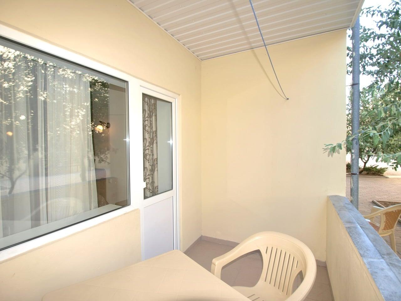 7-ми местный двухкомнатный люкс. Балкон