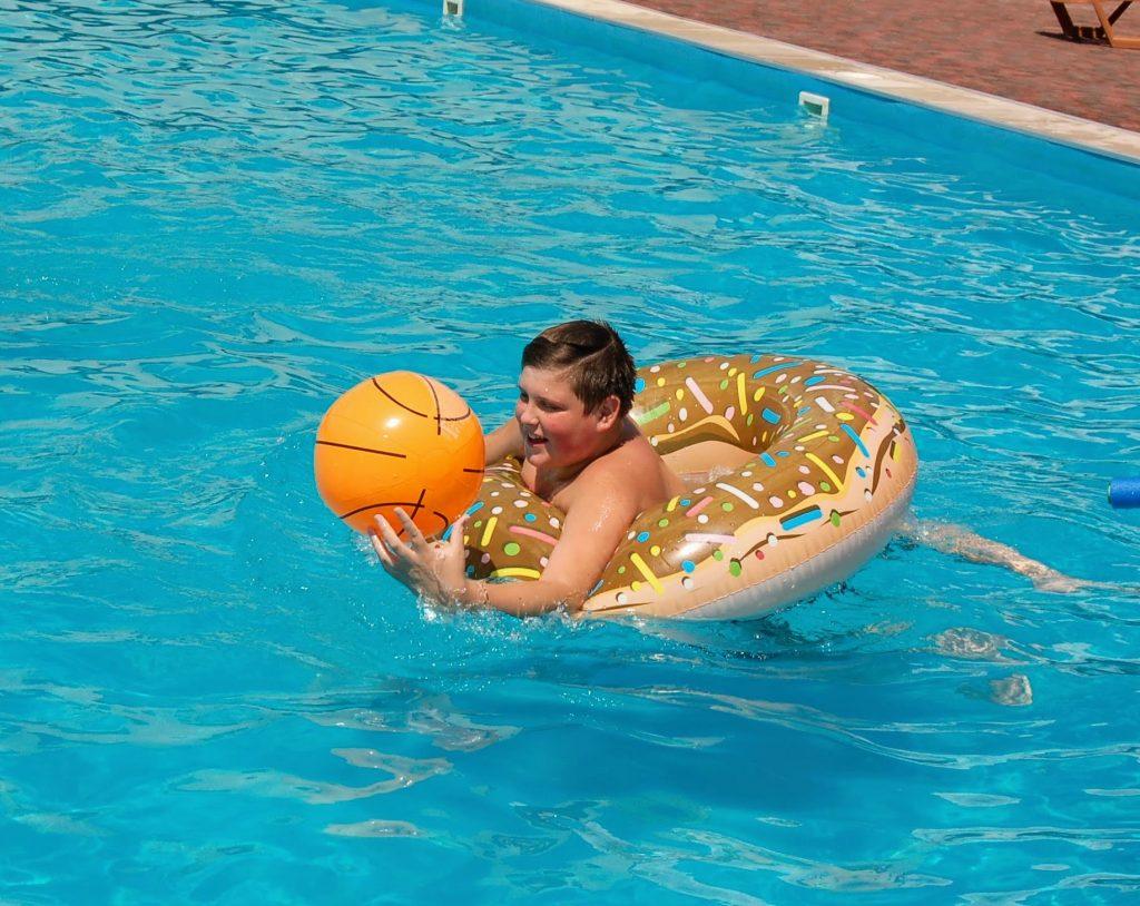 Большой бассейн в Кирилловке